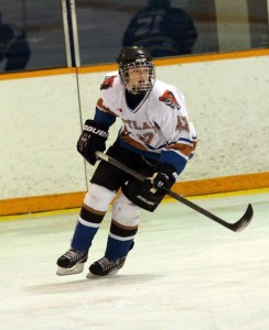 Lauren Nicholson - Hockey - Chatham Outlaws